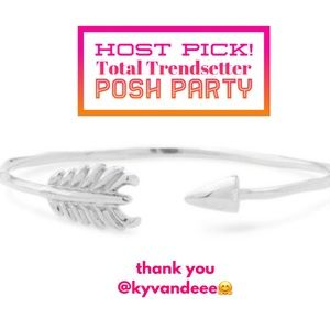:: S&D💘SILVER Arrow Cuff Bracelet